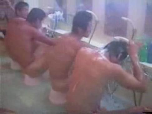 【ゲイ動画 xvideos】某大学ラグビー部合宿で撮影されたプライベートお風呂映像が流出!超貴重映像!!