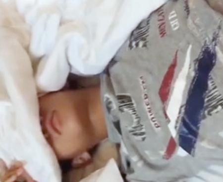 【無修正ゲイ動画】イケメン彼氏の寝起きを襲いモーニングSEXする様子をハメ撮り撮影した素人のBLアナルファック!