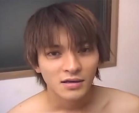 【ゲイ動画 pornhub】『痛かったけど・・・途中気持ちよかったです』リアルなノンケ男子の生の声!初めてのゲイセックスで悶えて感じる!