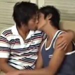 【ゲイ動画 pornhub】スジ筋イケメンカップルが旅行先でテンション上がってイチャラブBLセックス!