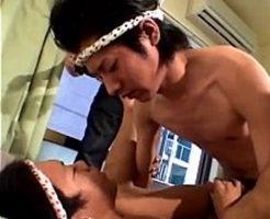【ゲイ動画 xvideos】ワッショイアナルファック祭り開催!神輿で鍛えたリズム感で息ピッタリのピストン運動