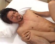 【ゲイ動画 xvideos】プリケツに我慢出来ず、バックからガン掘りセックス!漏れる声がセクシーでエロさマックス!!