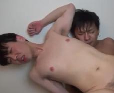 【ゲイ動画 】大好きな彼をM調教!ギャグボールに乳首クリップでアヘる彼をどんどん深みへ…w