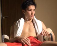 【ゲイ動画 】キリっとした顔立ちのイケメンがどんどん堕ちていく。バイブに手コキ、オナホコキで大量に潮吹きでアヘ顔を晒す!