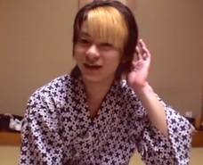 【無修正ゲイ動画】温泉地で、浴衣姿のリラックスした格好のまま餌食になるイケメン!蕩けた顔でちんこを受け入れちゃう!