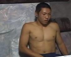 【ゲイ動画】合宿中に撮影w3日ぶりのオナニーをカメラの前で見せつける!wいつもと違う感覚にあっという間に昇天w