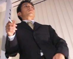 【ゲイ動画redtube】会社にバレませんようにwスーツが決まってる、できるサラリーマン!今はウケ専ゲイSEXの虜!