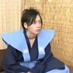 袴姿のジャニ系イケメンが褌をずらされアナルに色んなオモチャを突っ込まれちゃう