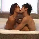 【ゲイ動画 xvideos】風呂で身体を綺麗にした後は、部屋で兜を合わせ濃厚ケツ穴ファック!