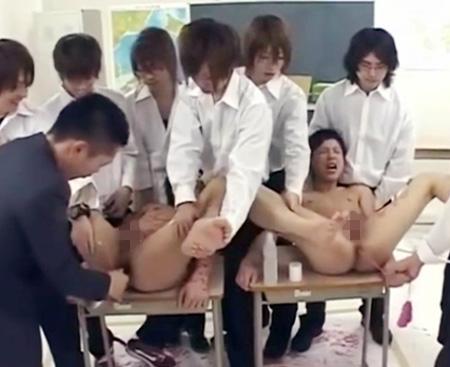 【ゲイ動画 upornia】クラスの肉便器としてケツマンコを玩具の様に遊ばれる2人のイケメン高校生・・心の拠り所はお前だけだと互いを慰めあうBLストーリー