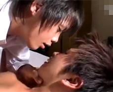 【ゲイ動画 xvideos】強い口調で命令し、痛がり鳴く彼を見てゾクゾクしながらファックするドSなイケメン!
