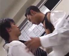 【ゲイ動画 xvideos】先輩も好きっすね・・・会社で先輩を可愛がり欲しがりアナルにガン掘りファック!!!