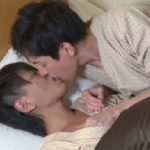 【無修正ゲイ動画】寝起きからイチャイチャ開始のBLカップル!キスから火が付きシャワー前に白濁に身体を染めちゃうw