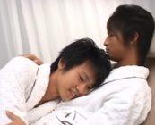 シャワーを浴びてバスローブ姿になった二人がイチャイチャセックスで感じまくりw